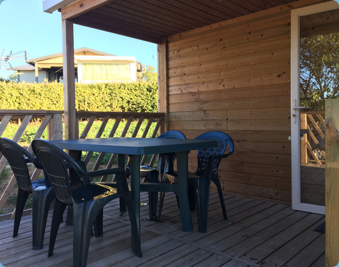 mobil-home-nature-4-personnes-terrasse